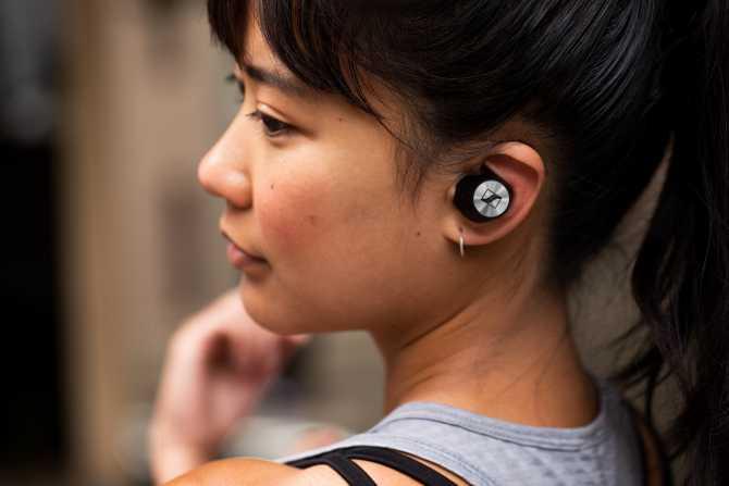 Sennheiser Momentum True Wireless kulaklık sevgililer günü için hediye listelerinde yer alabilir.