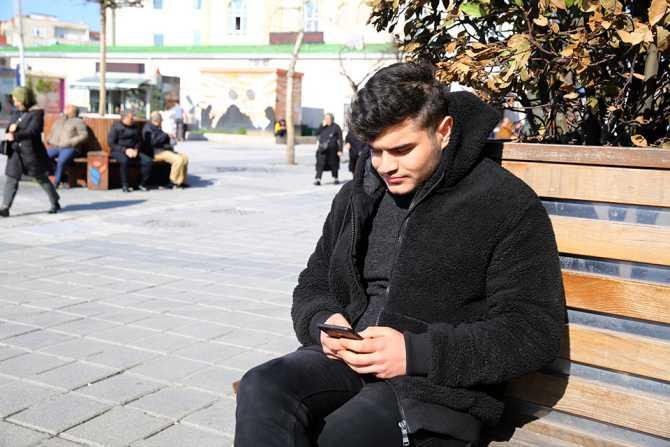 Esenler'de ücretsiz internet vatandaşlardan ilgi görüyor.